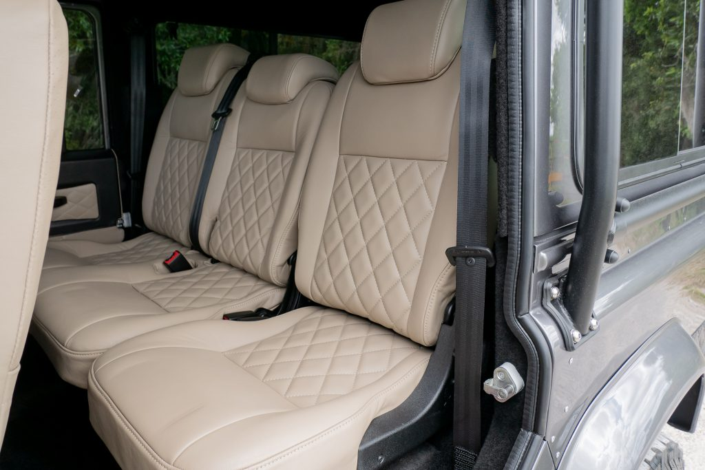 custom defender 110 interiorrr